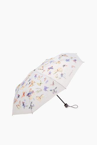 Storleksinfo: -Storlek hopfällt: ca 5,5 x 5,5 x 23,5 cm -Diameter uppfällt: ca 97 cm -Vikt: 220 g Detaljer: -Praktiskt paraply med bekvämt handtag och elastiskt band i handväskformat, med matchande fodral. -Paraplyet har tryck- och dragfunktion och är säkrat mot vändning vid vindbelastning. -TÜV-kontrollerat: testade kvalitetsegenskaper, övervakad tillverkning -Såväl duken som skyddsfodralet har logotext.