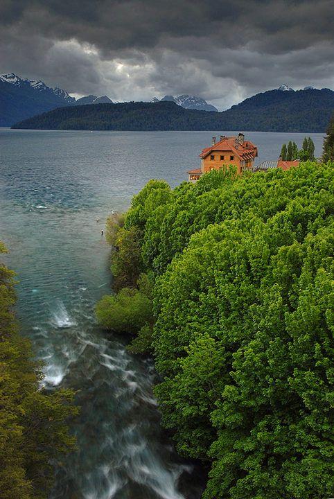 Villa Traful, Parque Nacional Nahue Huapi Region de Los Lagos. Patagonia Argentina by Saul Santos Diaz
