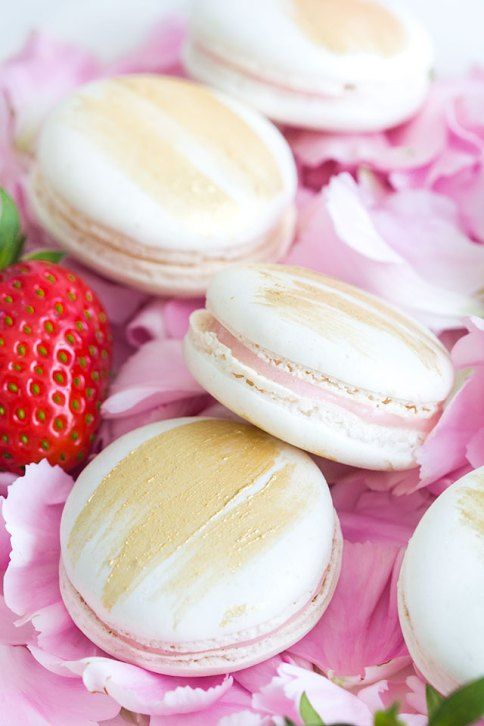 Strawberry Cheesecake Macarons