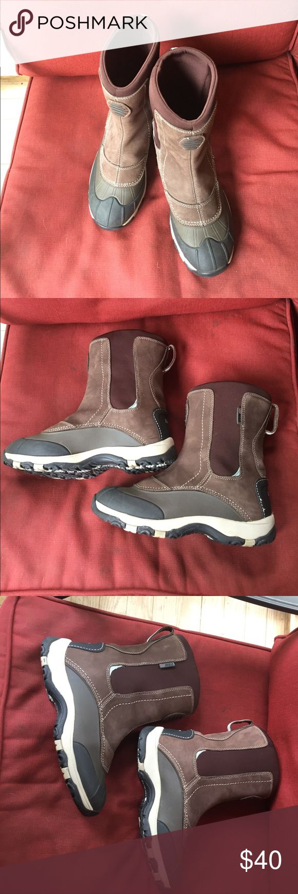 LL Bean Women's Storm Chasers Excellent condition, pull on. Upper is soft, flexible waterproof leather, lightweight rubber half shell. Insulated with 200 gram Primaloft for added warmth. LL Bean Shoes Winter & Rain Boots