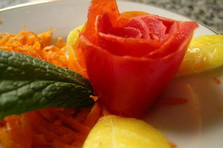 Decorazioni antipasti - Rosa di pomodoro