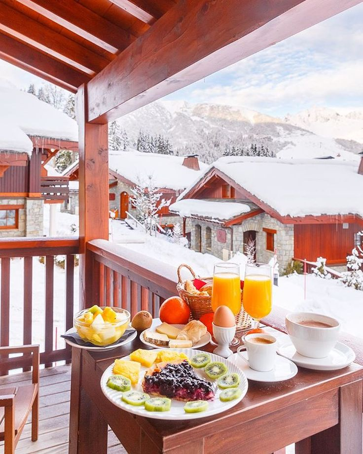What an amazing breakfast with a lot of vitamins to ski all day long !