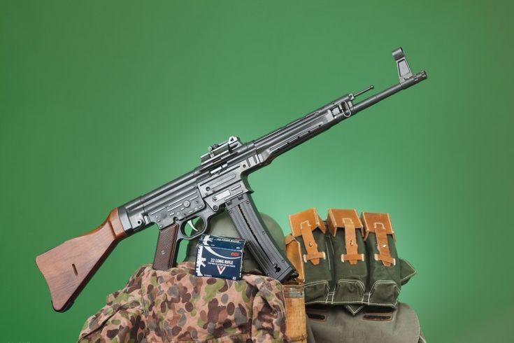 STG 44, CCI .22LR ammo and magazine pouches