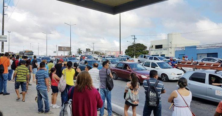Em dia de greve, ônibus não circulam em Natal e BRs são fechadas no RN