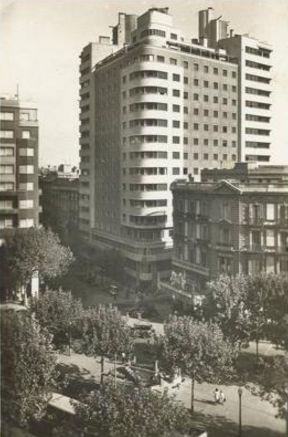 Casa Fábregas, Plaça Urquinaona, Barcelona, 1952
