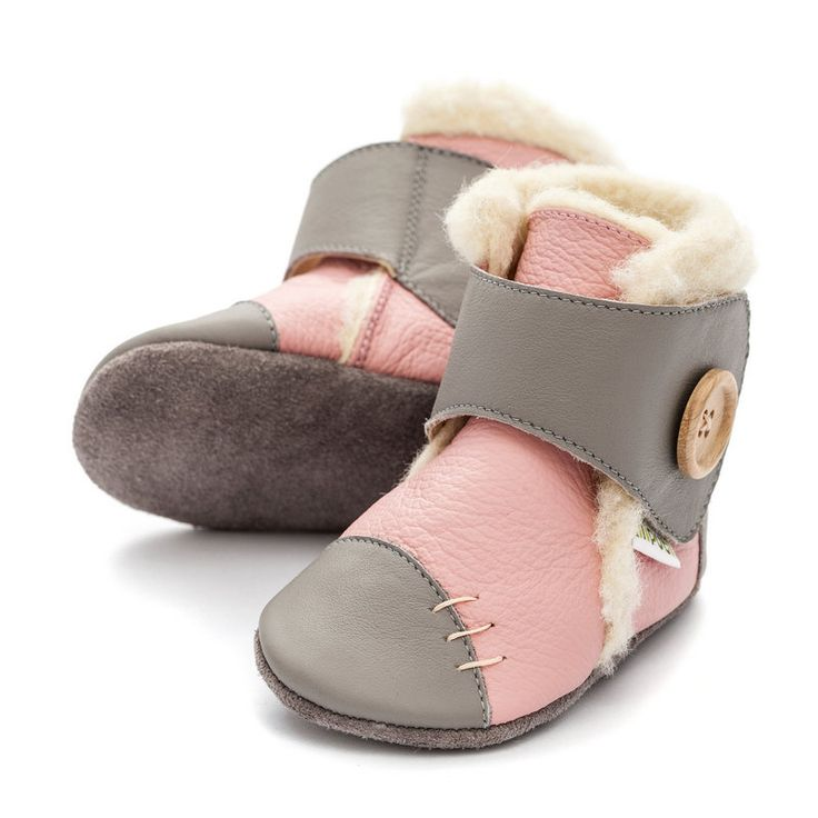 http://www.liliputibabycarriers.com/soft-leather-baby-boots/soft-soled-booties-snowflake-pink