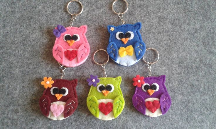 Owl Keychains - Felt keychains - Portachiavi in feltro con Gufo colorato di TinyFeltHeart su Etsy