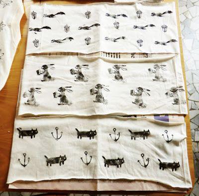 Stylebunny: Maglietta--> Sciarpe estive stampate/T-shirt--> printed summer scarves