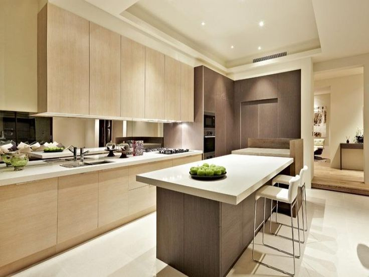 Modern island kitchen design using wood panelling - Kitchen Photo 240629