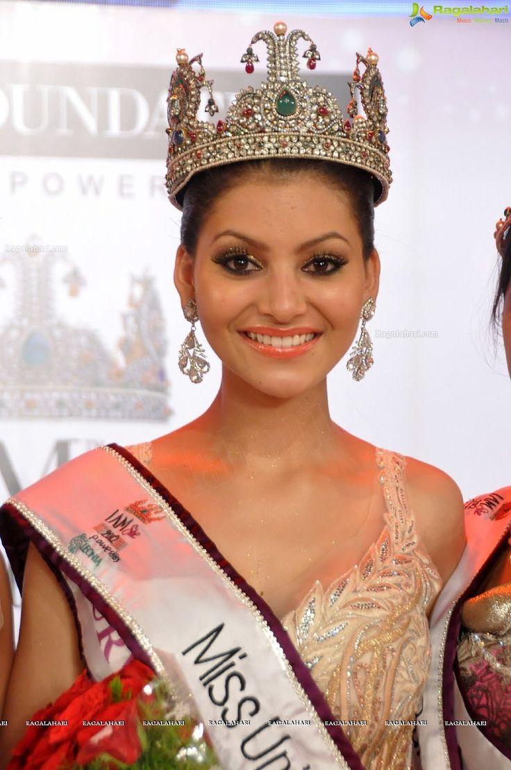 Deepika Padukone Hair 2012 Urvashi Rautela at Mis...