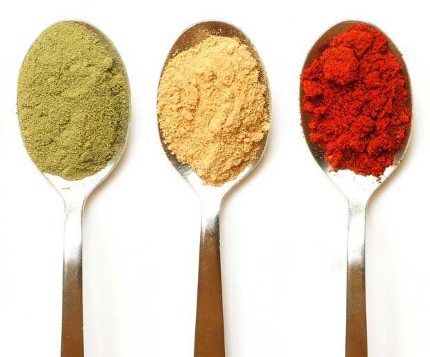 Protein ve Baharatlarla Metabolizmayı Hızlandırın! ZayıflayınYediğiniz her tipte yiyecek vücudunuzda bir ısı artışı etkisi yaratıyor ve metabolizmanızı hızlandırıyor. Bu etki proteinlerde, karbonhidratlar ve yağlara göre daha fazla oluşuyor.    Yazının Devamı: Protein ve Baharatlarla Metabolizmayı Hızlandırın! Zayıflayın | Bitkiblog.com  Follow us: @bitkiblog on Twitter | Bitkiblog on Facebook
