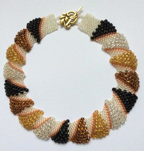 Parel / Kralen Halsketting - Bruin - Handgemaakt - Juwelen Vrouwen - Kleurrijk - Elegant