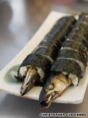 Seogwipo Market at JEJU island must eat- Kkong chi roll