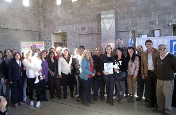 Se entregaron microcréditos a emprendedores de Moreno. Fue el jueves pasado en un acto del que participó el intendente local Mariano West. También se otorgaron 100 credenciales de Monotributo Social.