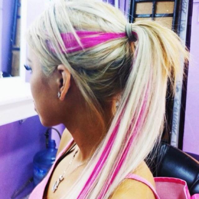 Pink and blonde <3: Platinum Blonde, Blondes Hair, Hair Colors, Pink Stripes, Pink Streaks, Pink Hair, Summer Hair, Pink Highlights, Hot Pink