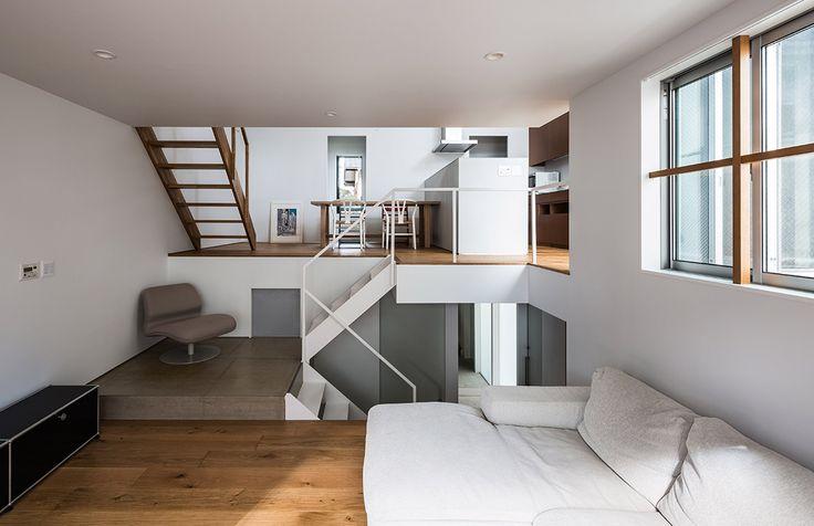 DESAIN RUMAH PERKOTAAN YANG MINIMALIS ALA JEPANG  Berita Arsitektur Jepang – Jepang memiliki daerah-daerah yang padat penduduk membuat wilayah-wilayah untuk tempat tinggal atau rumah tidak memiliki tanah yang luas, meskipun begitu banyak desain-desain rumah yang memang sengaja dibuat untuk penyesuaian daerah padat seperti di kota-kota besar Tokyo dan semacamnya di Jepang, jika anda berminat untuk membuat rumah minimalis tetapi sangat berguna pada setiap sudut ruangannya maka sangat…