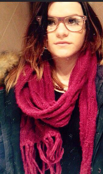 Stella Destiny #stelladestiny #outfit #winter #glasses #red ❄️