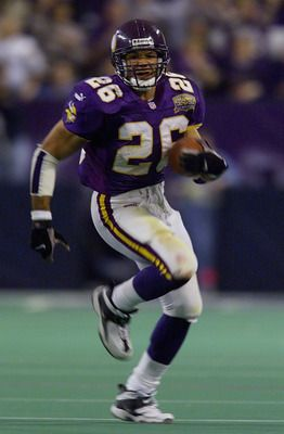 <3 fastest Viking of all time: Robert Smith #26