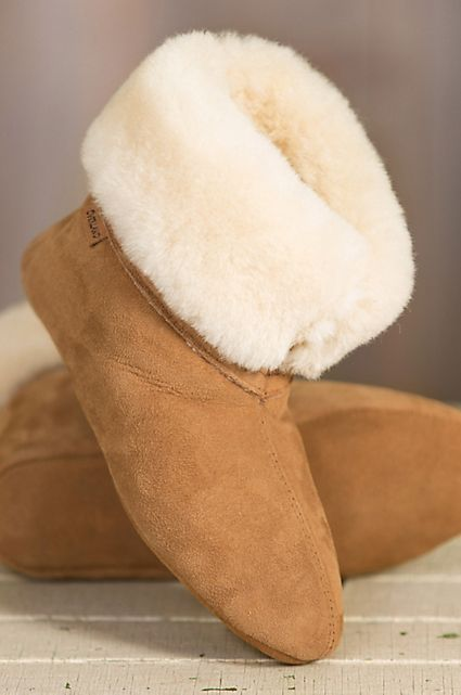 Styled with the height of a short boot for indoor warmth in a fashioned look, the Lily boasts the soft texture of premium sheepskin. Free shipping + returns.