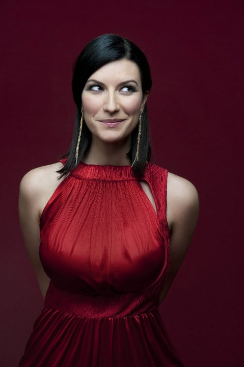 'Red Laura Pausini'. I love this photo.