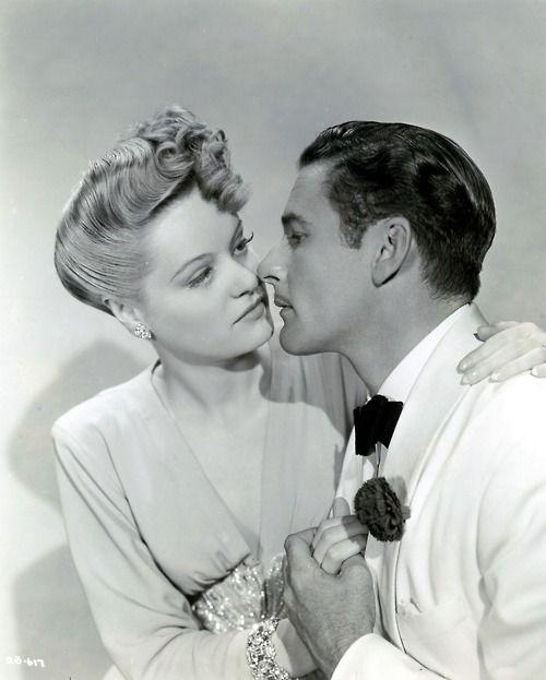 Alexis Smith & Errol Flynn (1941)