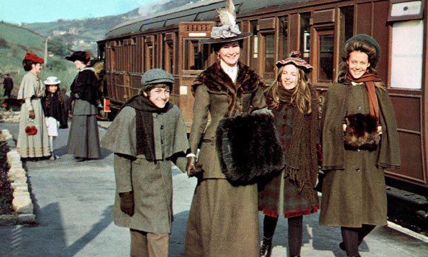 The Railway Children, starring Gary Warren, Dinah Sheridon, Sally Thomsett and Jenny Agutter, 1970