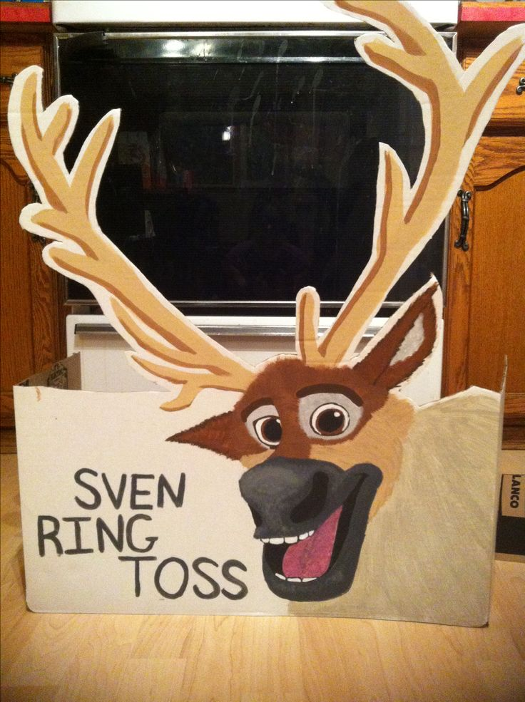 Who else thinks Sven makes a perfect ring toss? Frozen Party Game!