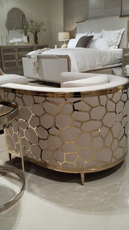 CARACOLE Showroom Tour - Lynda Quintero-Davids #DesignOnHpmkt  #HPMKT 2015 | Find more news and projects in http://www.covetlounge.net/all-products/