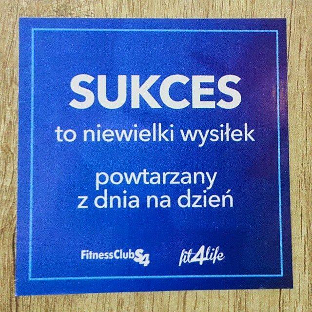 """vlepka motywacyjna """"Sukces to niewielki wysiłek powtarzany z dnia na dzień"""""""