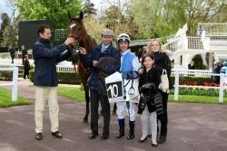 Course PMU : Victoire de la favorite Solemia à Longchamp