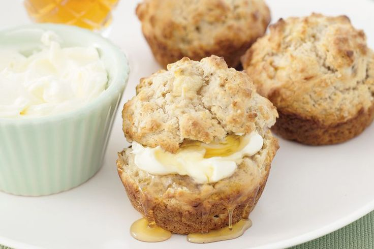 Make life simple with these super easy muffins with fresh banana and cinnamon.