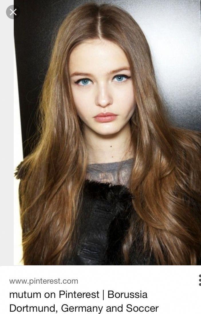 Pelocoloreado With Images Hair Pale Skin Brown Hair Blue Eyes
