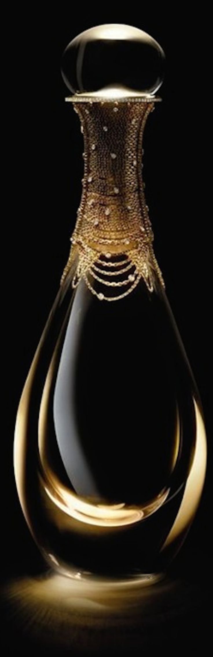Dior-J'adore-l'or-Haute-Joaillerie-140000 y-Edition-Fragrance