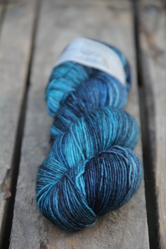 Beautiful spinnwebstube yarn via Lila De Lila