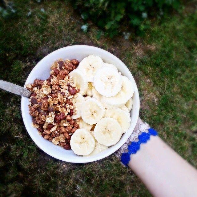 Yumm. #healthyfood #healthy #healthylife #yogurt #activia #banana #fruit #muesli #fit #cruciani #crucianilove #naturelove #nature #peace #followme #fff #f4f #follow4follow