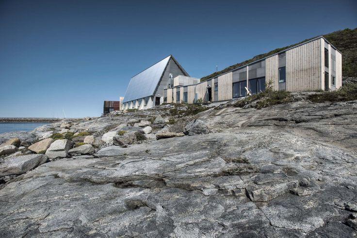 Bygdebox, Stokkøya. Architects: Pir II.