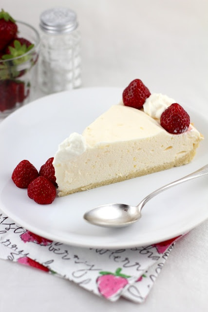 Love this lemon chiffon pie from Lifesafeast. Making it this weekend