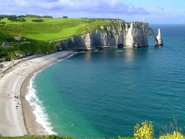 The Normandy (north of France) beaches have their place in our history and are visited by many Americans, Canadians and French people. On these beaches the 2nd world ended with the death of (too) many soldiers. Every year France commemorates the sacrifice made by allied nations for the freedom of Western Europe. www.frenchessentials.com