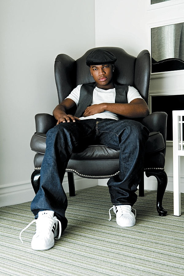 Men's Fashion Ne Yo rockin' a casual look