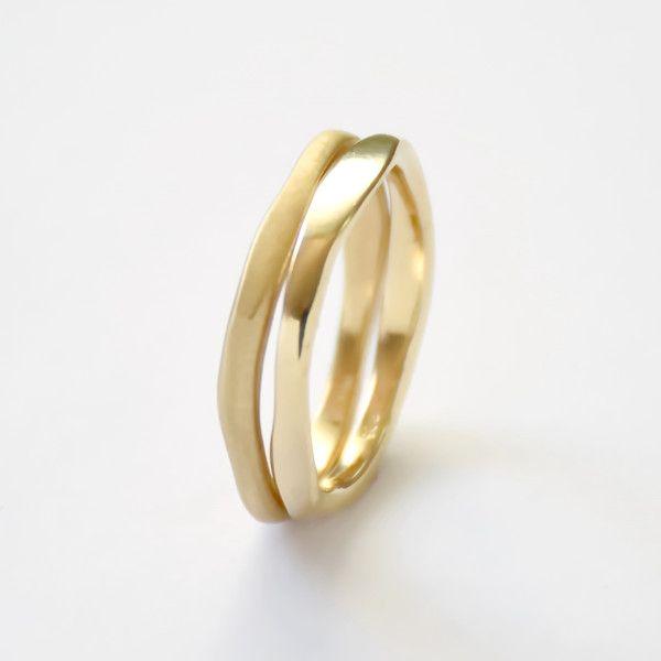 Eheringe - Matt glänzende Gold-minimalistischen Ehering Stape - ein Designerstück von artisaneffect bei DaWanda