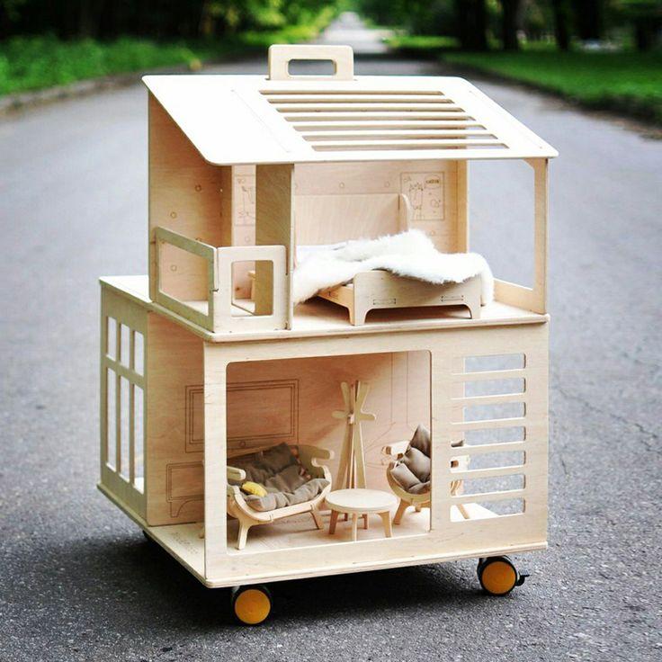 Наши кукольные дома собираются и разбираются без каких либо дополнительных инструментов. Выполнены из экологически чистой фанеры. Есть специальная ручка для перемещения и ролики. Домик можно взять с собой на дачу,...читать