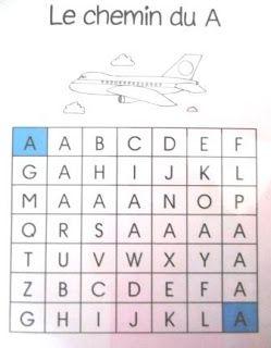 Inspirée par le travail  de Laurène : un chemin des lettres en majuscules pour les MS         Le chemin des lettres de A à F  Le chemin des ...