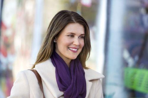 Sarah Lancaster, scarf