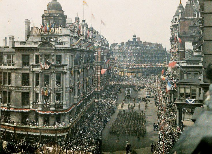 Revealed: The amazing pictures of Britain in colour for the very first time | Mail Online