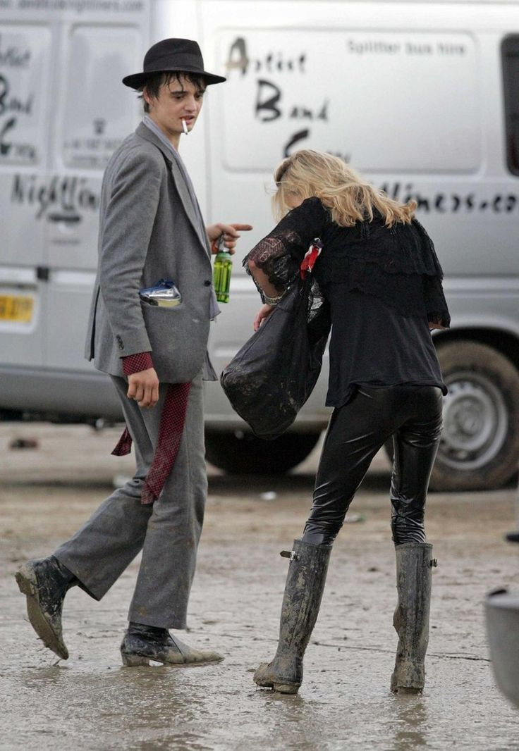 Kate Moss and Pete Doh... Amy Winehouse