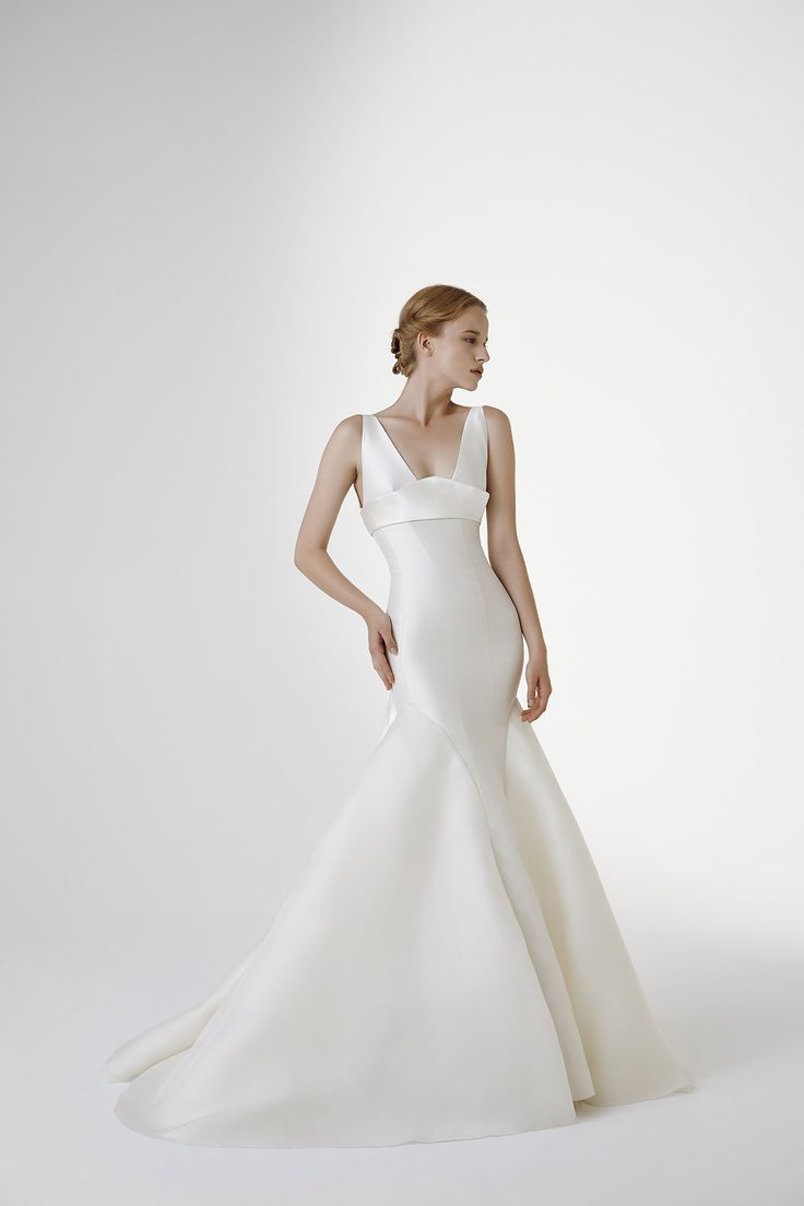 REGINA: Magnolia #mermaid gown with deep V neckline