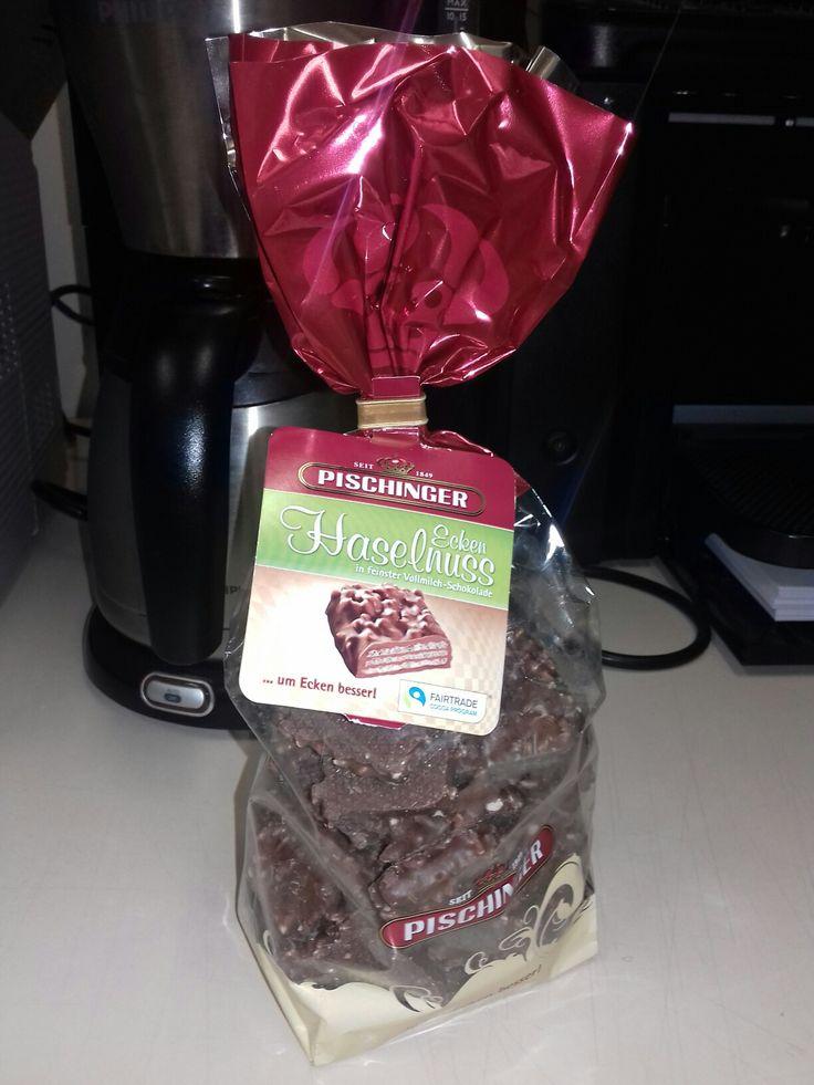 Pischinger Haselnuss Ecken. Chocolate Alemão.