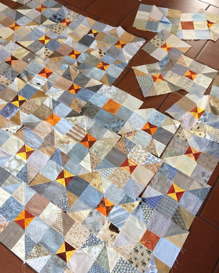 "76 mentions J'aime, 12 commentaires - Maryline Collioud-Robert (@mary_and_patch) sur Instagram : ""Beginning to work on the raffle quilt for our coming group exhibition ... . #patchwork #quilt…"""
