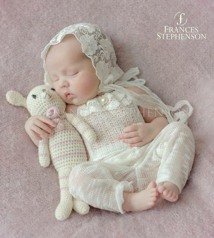 Image of  Newborn romper venise lace + lace bonnet photo prop