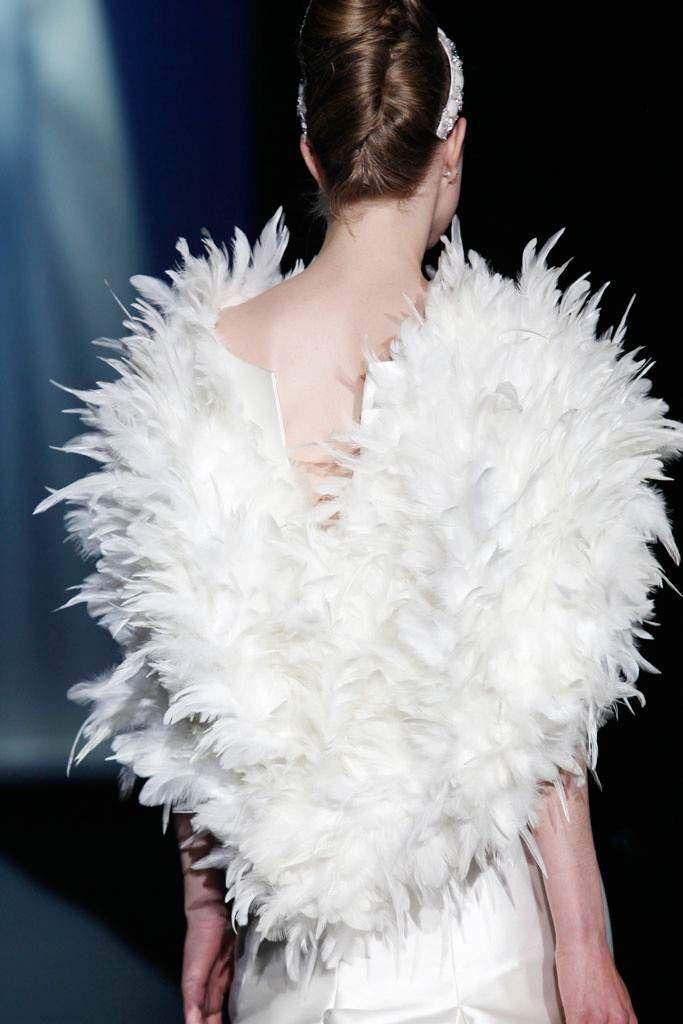 Patricia Avendaño : Moda nupcial desde Vigo : http://lookandfashion.hola.com/vaiay/20130603/patricia-avendano/